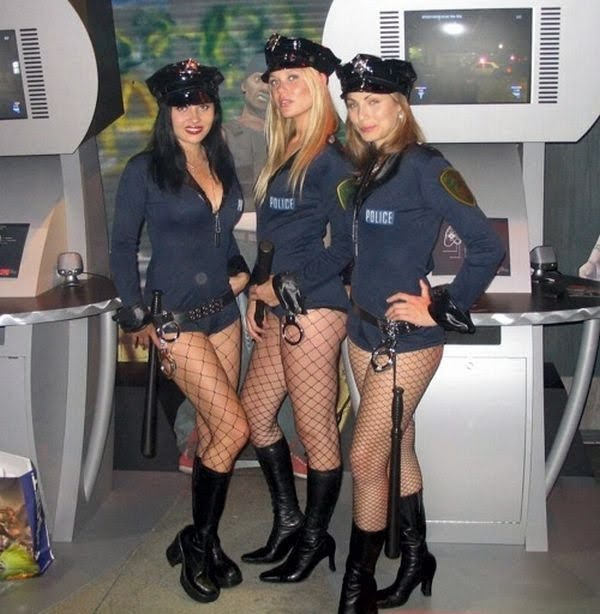 Women_in_Uniform_3